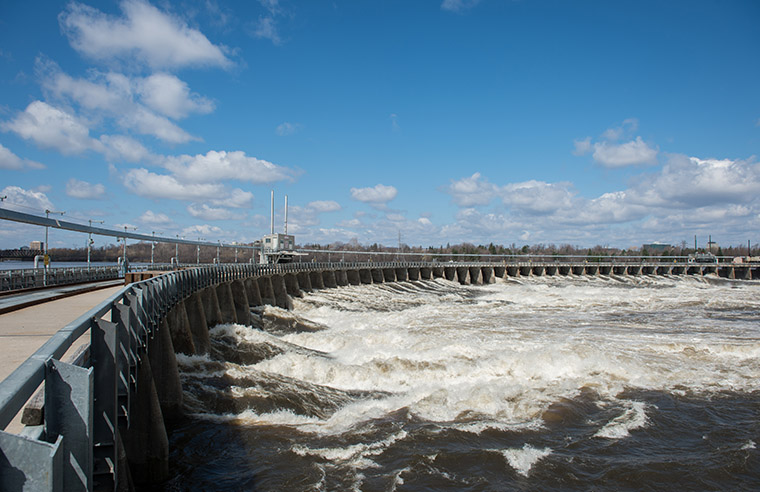The Chaudière Falls Ring Dam in spring, 2013.